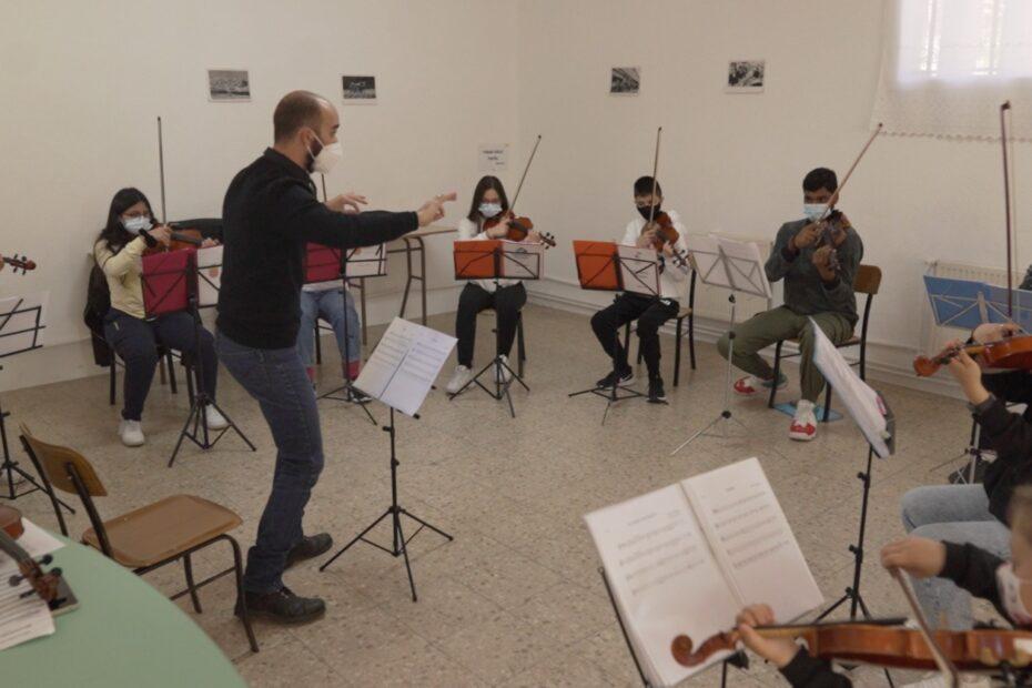El Sistema Greece visit Acción por la Música projects